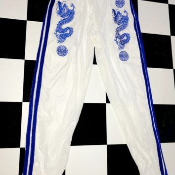 SWEET LORD O'MIGHTY! DRAGON TRACKIEZ IN WHITE VELVET