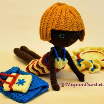 Doll crochet pattern Michelle at the beach @MignonCrochet - amigurumi pattern
