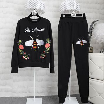 Bee autumn dress female fashionable and recreational outfit female flower patch cloth embroidery garment two pieces of tide