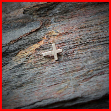 14k White Gold Ring Cross Dermal Top