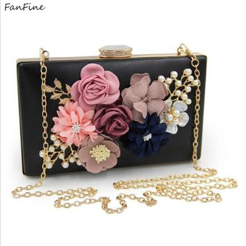 FanFine New Interior Compartment Pearl Bridal Bag Clutch Handbag Woman Banquet Diagonal Chain Small Square Evening Party
