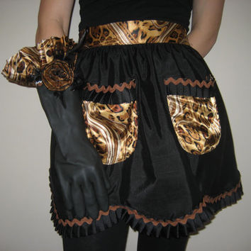 Trendy leopard trimmed hostess apron and dish gloves set.  Free shipping.
