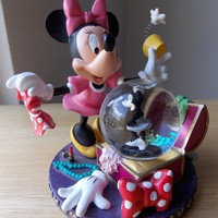 Disney Minnie Mouse Clothes Packing Snowglobe