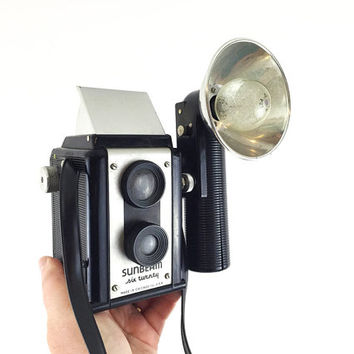 Mid Century Sunbeam Six Twenty Camera with Flash, Case, Manual and Sylvania Blue Dot Flash Bulbs / Hard to Find / Vintage Industrial Decor