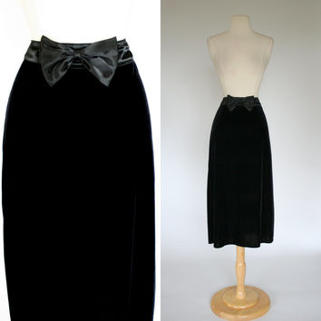1990's black velvet skirt high waist 90's skirt satin bow waist back w black bow mid calf length Amy Byer A line skirt size medium size 8 10