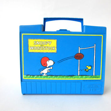 20% OFF SALE vintage Retro blue Snoopy and Woodstock lunch box / Thermos brand