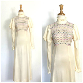 Vintage 70s  Dress / 70s maxi / long dress / empire waist / cream dress / Victorian style / bridesmaid / prom dress / Small