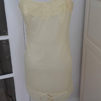 "1950s 1960s Vanity Fair Lemon Lace Full Slip, Chemise, Lingerie, Size Small, 34""B"