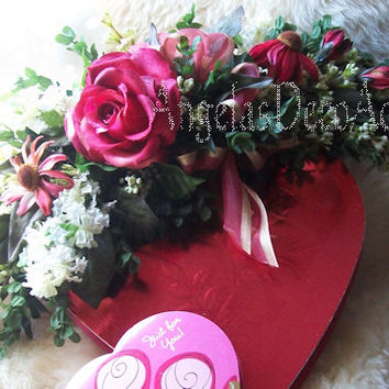 Silk Floral Swag, Scarlet Red Crescent Swag, Boxwood Swag, Romantic Chic Decor, Valentines Moms Day, Burgundy Hues, Deep Green, Wall Hanging