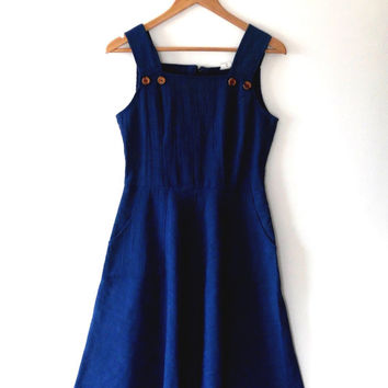 Blue / denim dress / country style / vintage / 70s / cotton mix / wide strap / button / midi length / summer / boho / flared dress