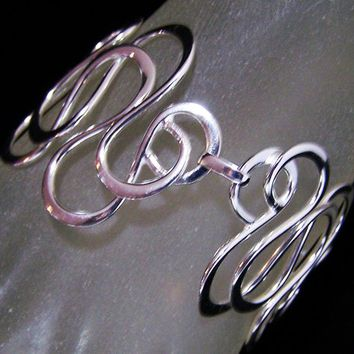 Interwoven Wide Silver Tone Bracelet,  Hammered Wire Links, Boho Abstract Design, Adjustable Toggle Clasp 218