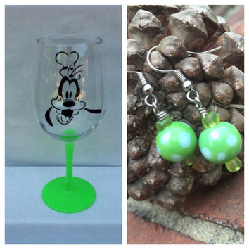 Gift Bundle Goofy Wine Glass and Earrings