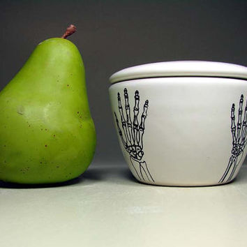 lidded bowl bony las manos (white) - Made to Order / Pick Your Colour