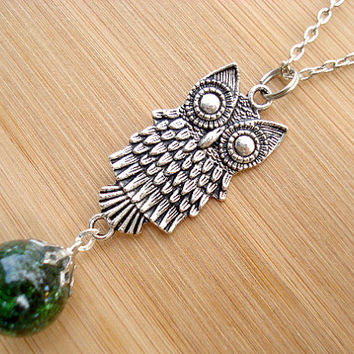 Large Retro Owl Deep Green Fried Marble Necklace