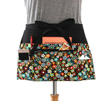 teacher apron with pockets - pocket apron - waitress apron - waist apron with zipper pocket - server apron - half apron - vendor apron