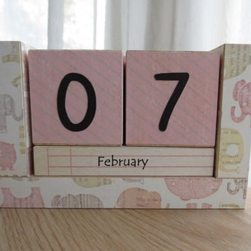 Perpetual Wooden Block Calendar - Tiny Pink Elephants