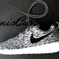 Ready to ship in 2 business days !!! Womens US 6 - EUR 36.5 - Nike Roshe Womens Grey with Custom Yeezy 350 Boost Inspired Design