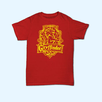 Harry Potter Gryffindor House Logo T-Shirt - Gift for friend - Present
