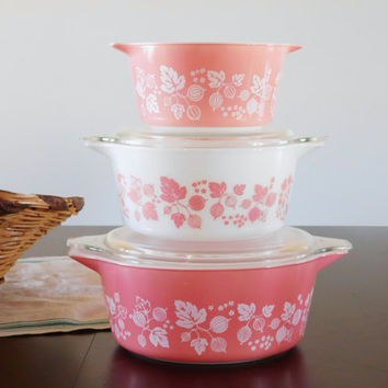 Pink Pyrex Gooseberry Casserole Dishes Set of 3