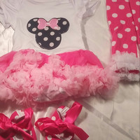 4 Piece Adorable Minnie Mouse Outfit Set!