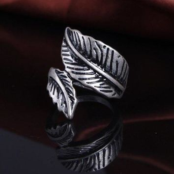 Vintage Asymmetric Leaf Shape Women's Ring - Silver One-size