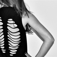 Backbone/Rib Cut Out T Shirt