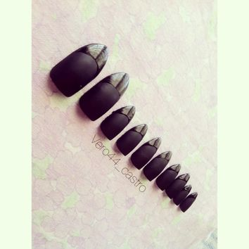 Black matte nail set with shiny tips