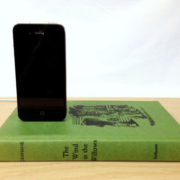 Vintage Wind in the Willows booksi For iPhone by RichNeeleyDesigns