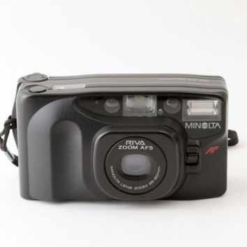 Minolta Riva Zoom AF5 35mm Point and Shoot Camera with Case