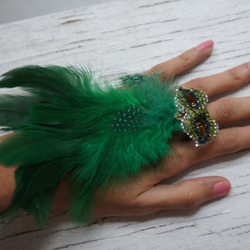 Unique Green  Feather Ring/ Statement Ring/Rhinestones Ring/ Sweet 16 Favors/ Bridesmaids Favors/ Birthday Gift