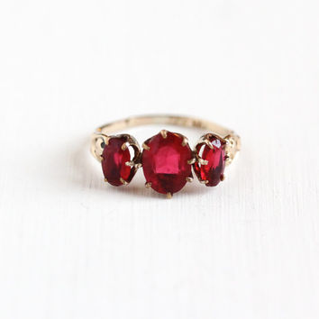 Antique Victorian Simulated Garnet Gold Filled Triple Stone Ring - Late 1800s Early 1900s Edwardian Red Glass Swirl Repousse W.L. Co Jewelry