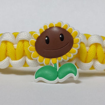 Plants Vs Zombies Bracelet, Sun Flower Bracelet, Plants Vs Zombies Jewelry, Yellow and White Bracelet, Custom Bracelet. 26 Colors to choose