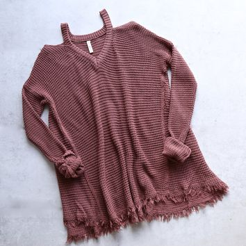 oversize thermal sweater with cold shoulder - dark brick
