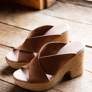 Quay Split Suede Heel, Rusty Brown | Chinese Laundry