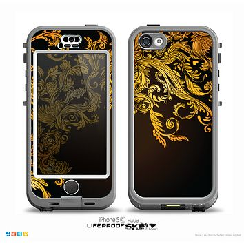 The Gold Floral Vector Pattern on Black Skin for the iPhone 5c nüüd LifeProof Case