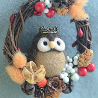 Owl doll wreath home decor ornament, needle felt owl on dry flower wreath, woodland autumn winter wreath, holidays ornament, gift under 30