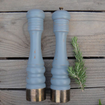 Stormy Gray Salt Shaker & Pepper Grinder - Wooden - Chalk Paint - Shabby Chic - Upcycled - Grey/Blue