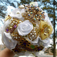 Brooch Bridal Bouquet, Custom, Vintage, Pearl strands, pearls, gatsby Classy, Wedding, Fabric Flower Bouquet, Purple, White, Gold, Ivory,