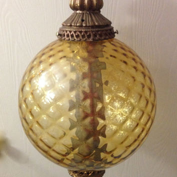 Vintage Quilted Diamond Gold Amber Electric Swag Globe Lamp