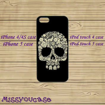 iphone 4 case,iphone 4s case,cute iphone 4 case,iphone 5 case,cute iphone 5 case,floral skull,sugar skull,ipod 4 case,ipod 5 case,in plasitc