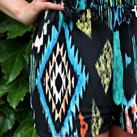 Native Lands Shorts - Black
