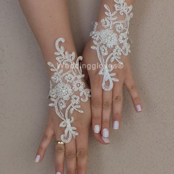 İvory Wedding Glove, ivory lace  gloves, Fingerless Glove, ivory wedding, embroidered with pearls bridal gloves, french lace gloves
