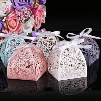 50Pcs 5 colors Laser Cut Lace Flower Guest Wedding Favors And Gifts Birthday Party Decoration