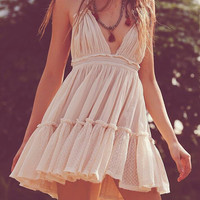 V-neck Backless Pleated Dress
