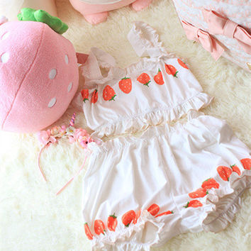 Harajuku strawberry graphic cream white home underwear women Japanese fashion cute pajamas girls teens nightgown cotton a set