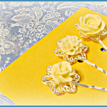 Ivory Filigree Flower Hair Pins  - Set of 3 - Hair Bobby Pins - Wedding, Summer Trends, Victorian