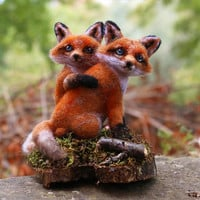 Needle Felted Fox Couple, Felt Fox, Fox Sculpture, Wedding Gift, Anniversary Gift, Needle Felted Animals, Woodland, Fox Miniature, Wood