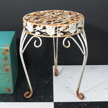 Small Wrought Iron Plant Stand . Woven Metal Top . Rose Design . Shabby Rusty White . Fancy Scroll Work Legs . Vintage