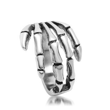 2017 new skeleton hand rings for man vintage titanium steel male finger ring fashion party jewelry SA085