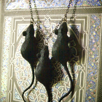 black rat necklace jewelry halloween occult goth 3 rats 666 vermin dead rat